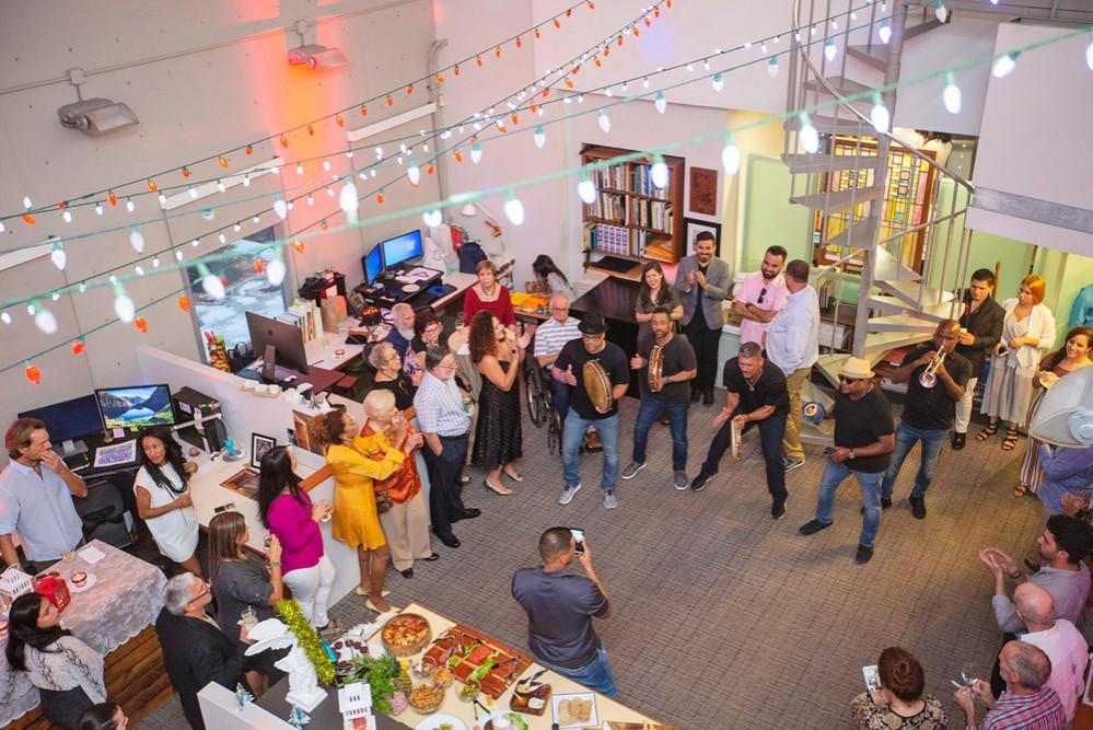 28 · Dos Fiestas: New York / San Juan