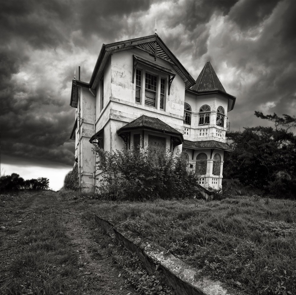 victorian-haunted-house · Darkitecture: The Art of Haunted Houses
