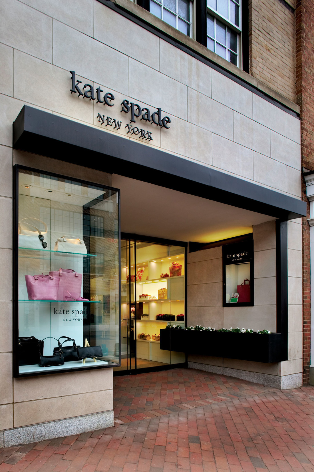 Kate-Spade-stores-8