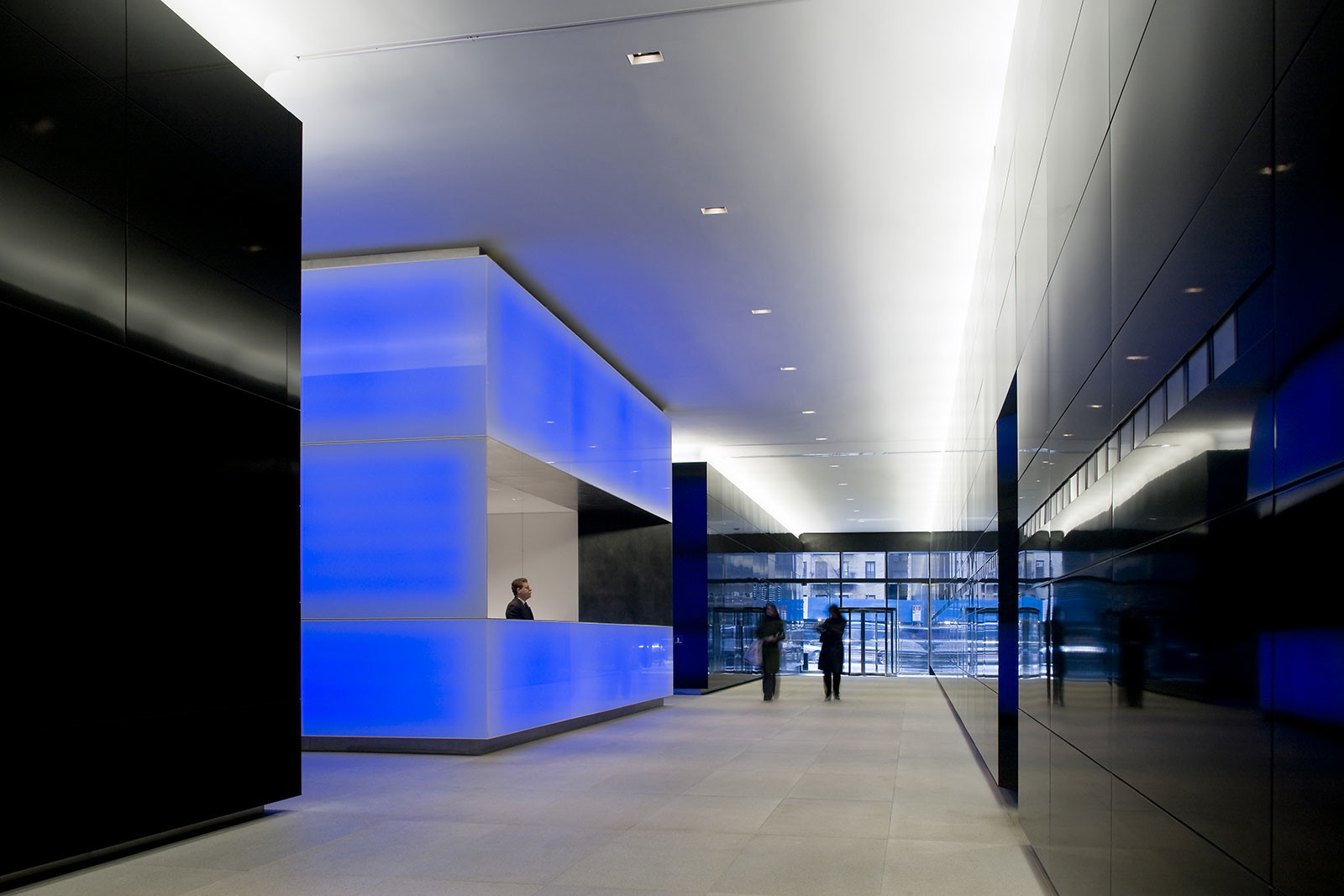 Metropolitan Tower Lobby and Public Passage