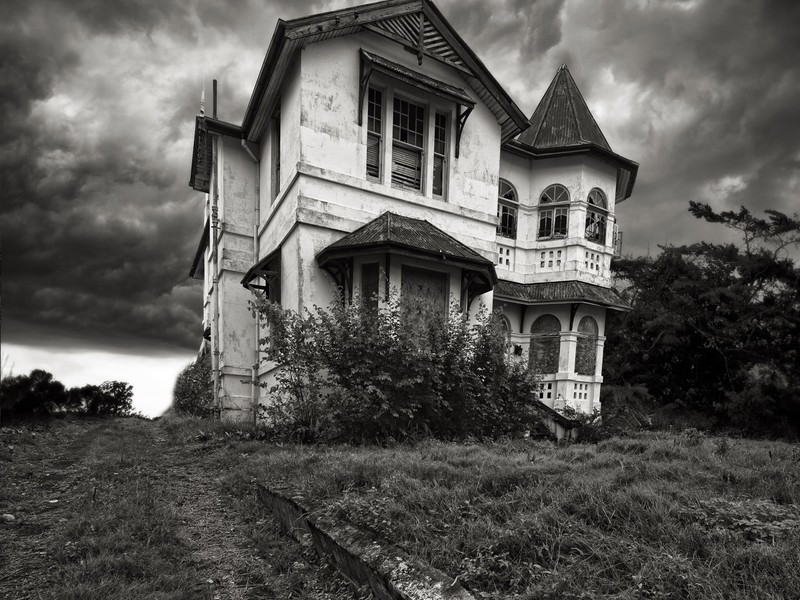 Darkitecture: The Art of Haunted Houses